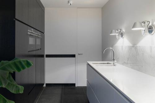 bathroom-2-1024x683-1