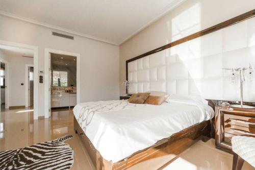 bedroomresize-1024x683-1