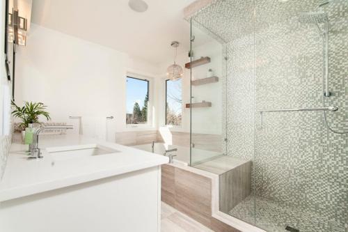 cream-bathroom-1024x681-1