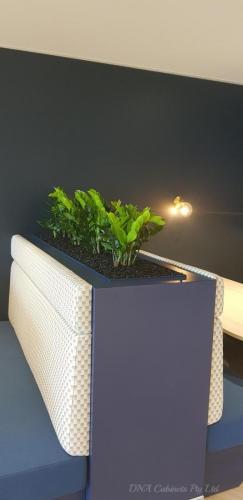 planter-booth-centuria-1